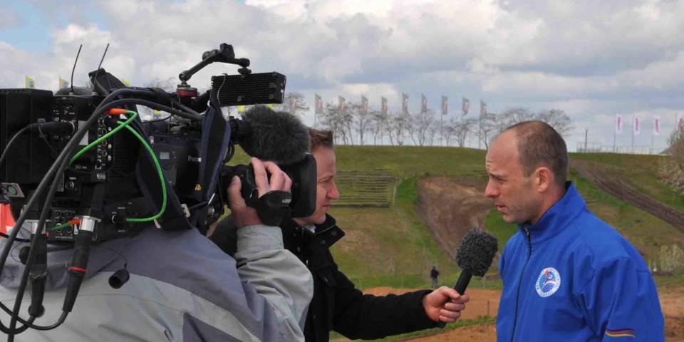 Pressekonferenz in Vorbereitung auf die WM 2016 TV Interview
