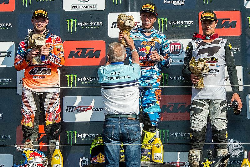 24. MX GP - Grosser Preis von Deutschland - 8. Lauf zur Motocross Weltmeisterschaft - Talkessel Teutschenthal<br /> Hauptrennen in den Klassen MXGP, MX2 sowie EMX300 und EMX150<br /> im Bild: