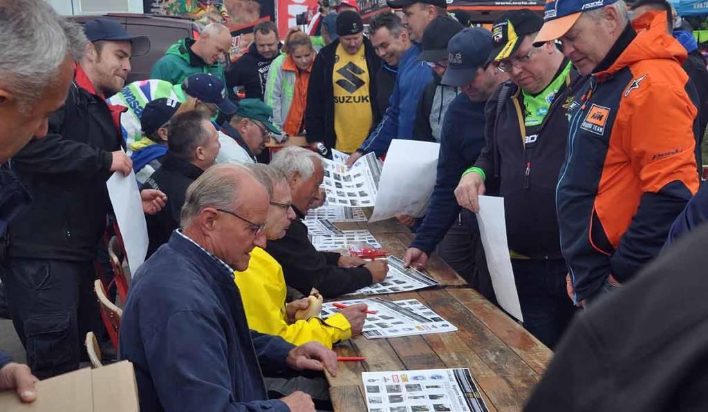 ostdeutsche Motocross-Legenden bei der Autogrammstunde bei den 2. TALKESSEL CLASSICS 2018 in Teutschenthal